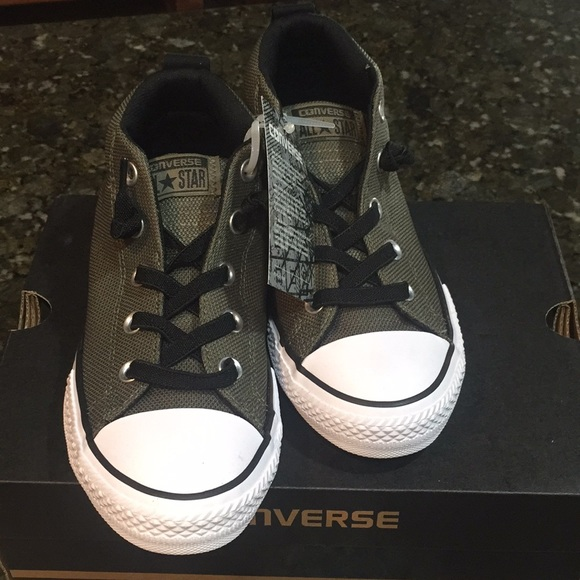 238783dbeb66 Converse All Stars junior size 3 NWT